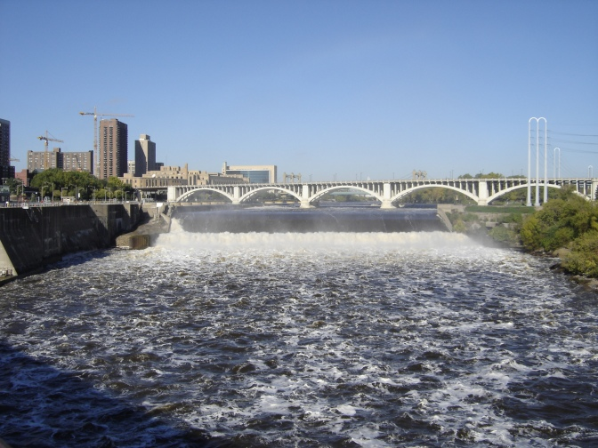 St_anthony_falls_Oct_2005